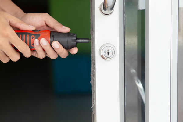 Emergency Locksmiths | Locked Out | Commercial Locksmiths | uPVC Lock Repairs Emergency Locksmith