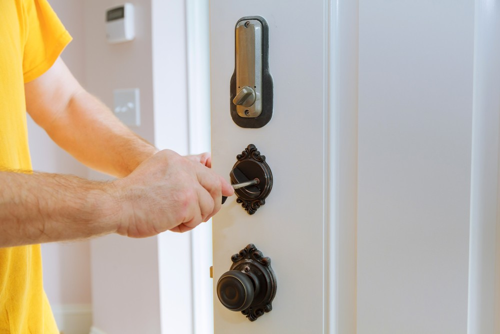 Established Emergency Locksmith in Stafford 24 Hour Emergency Locksmiths  Stafford Master Locksmith Association Lockwiz 24/7 Locksmith Stafford Emergency Locksmith